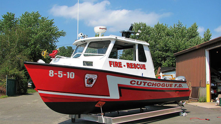 CUTCHOGUE-FIRE-BOAT