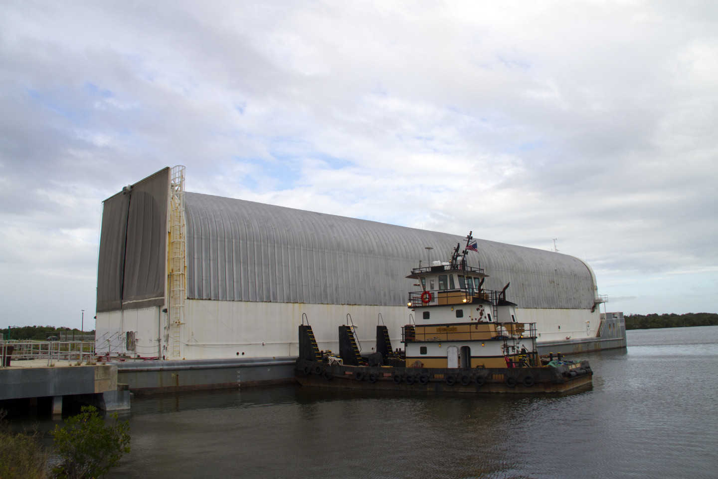 nasa-s-pegasus-barge-last-of-its-kind-gets-new-lea-1